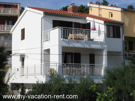 Appartamenti venera hvar isola di lesina dalmazia for Appartamenti isola hvar